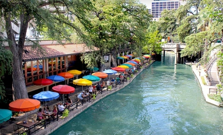 One-Night Stay for Two in a Deluxe King or Double Room at the Riverwalk Plaza Hotel & Suites in San Antonio